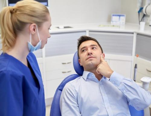 7 παράγοντες που μπορούν να προκαλέσουν περιοδοντίτιδα